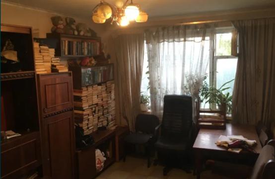 Продам 3-х комнатную квартиру возле центрального рынка