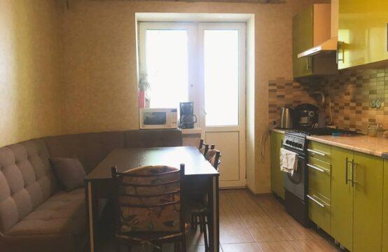 Продам большую 3-комнатную квартиру в районе Урожая. СРОЧНО!