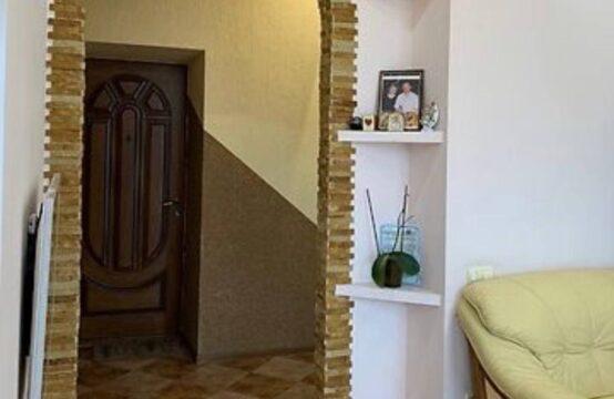 Продам  2-х комнатную квартиру, центр города!
