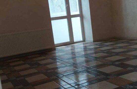 3-х комнатная квартира в центре с ремонтом