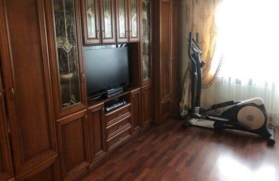 Продам 4-х комнатную квартиру в Военном городке